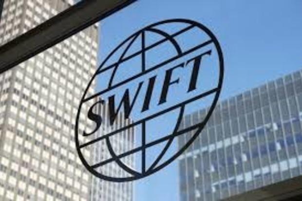 Два российских банка остались без SWIFT из-за Крыма