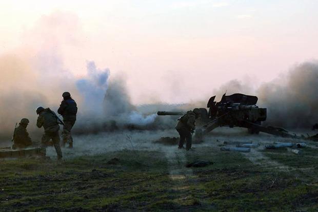 Штаб АТО: ВСУ отразили атаку боевиков на Светлодарской дуге