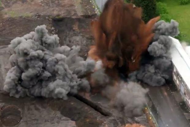 В Бирмингеме взорвали гигантскую бомбу времен Второй мировой войны