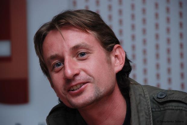 Писателя Жадана не пропускают в зону АТО дать концерт военным