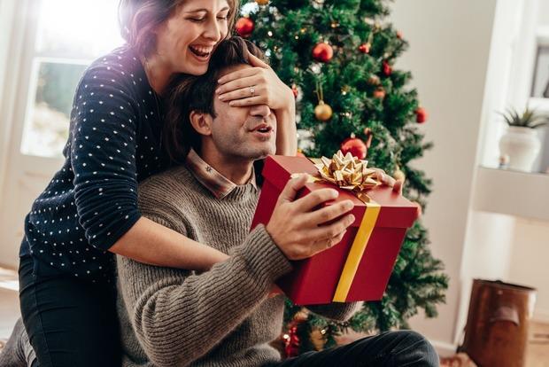 Чтобы не испортить отношения: подарки, которые ни в коем случае нельзя дарить мужчинам
