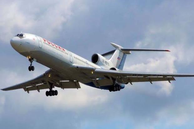 В России пропал с радаров Ту-154 с 83 военными на борту