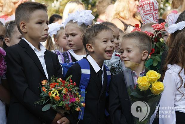 Восьмилетний мальчик 1,5 года терроризирует учеников и учителей в своей школе