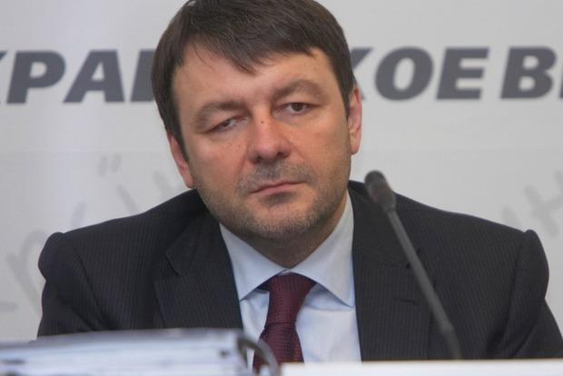 Суд назначил бывшему руководителю Госуправления делами залог в 6,4 млн грн и надел электронный браслет