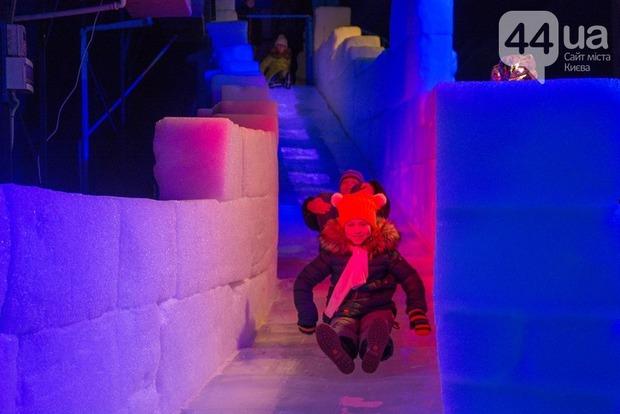 В Киеве открылась выставка ледяных скульптур