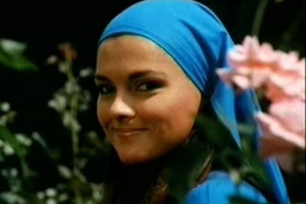 Как сейчас выглядит звезда сериала из 90-х «Королек— птичка певчая»