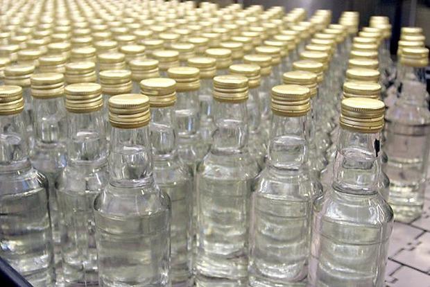 В Киеве нашли склад с 11 тысячами бутылок поддельной водки, — Белан