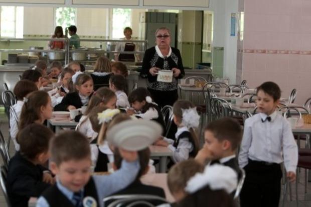 Кабмин в два раза увеличил ежемесячные выплаты на питание детям-чернобыльцам
