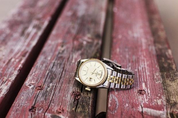 Чому не дарують на весілля і жінкам: Погані і хороші прикмети про годинник