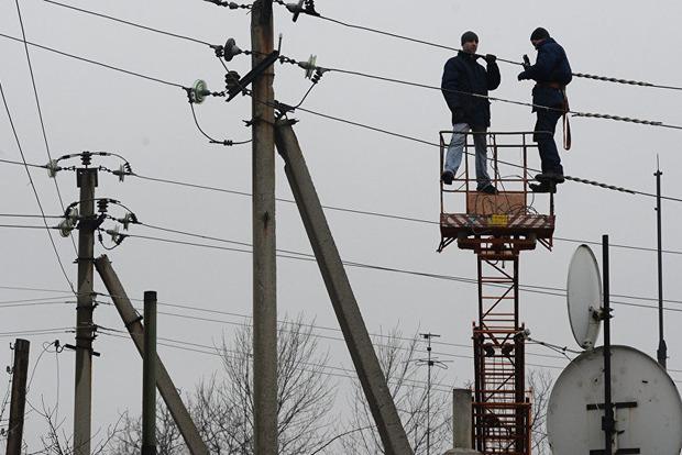 Непогода в Украине: обесточено еще 35 населенных пунктов в западных областях