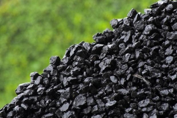 ТаможняРФ официально признала завоз антрацита иззахваченных боевиками шахт наДонбассе