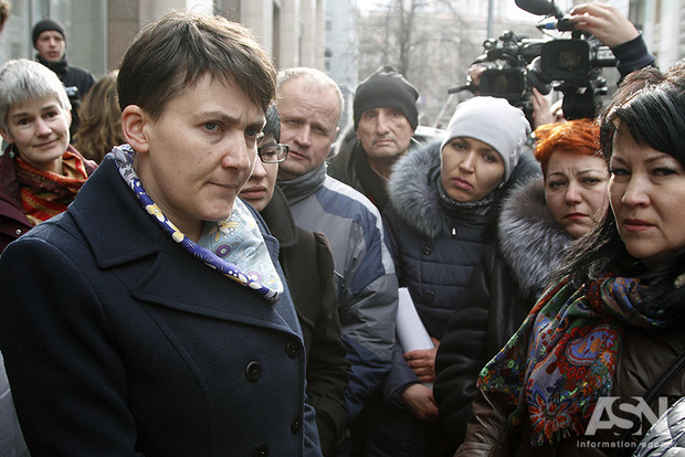 Пришла и села: Савченко явилась на заседание комитета, из которого ее исключили