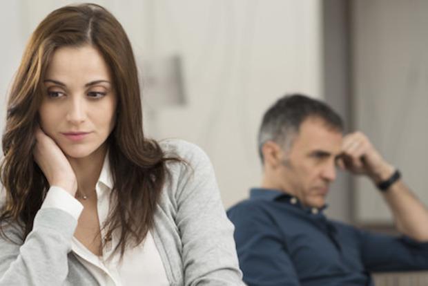 Психологи объяснили, почему люди в несчастливых отношениях не расстаются