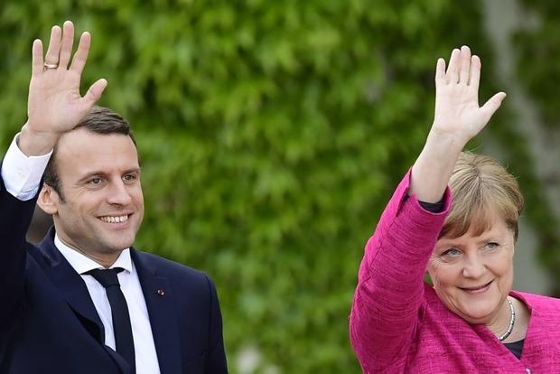 Макрон і Меркель вважають неприпустимою заяву про створення т.зв. «Малоросії»