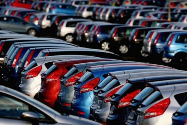 Проверит полиция: Кабмин запретил должникам продавать автомобили