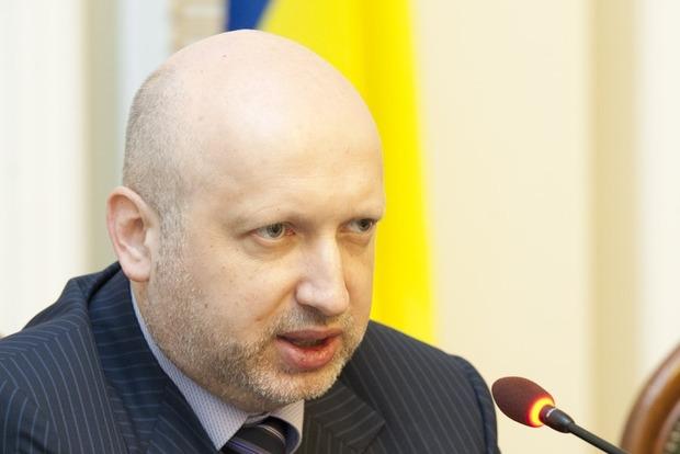Турчинов: В «ДНР» и «ЛНР» воюет 35 тысяч человек