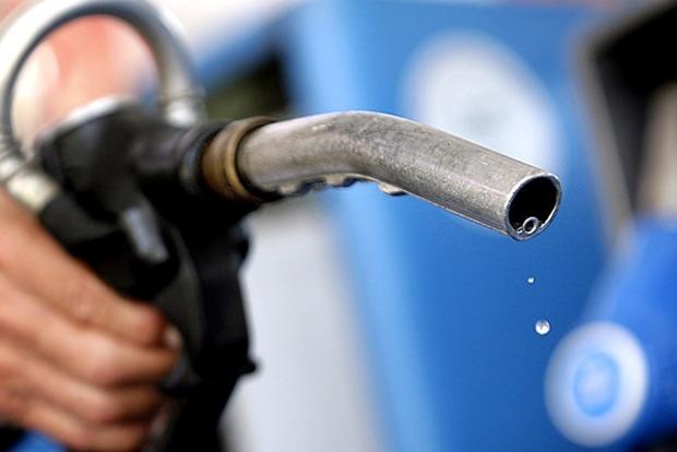 Нефть бензину не указ