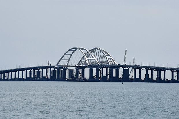 Сепаратист: Крымский мост начал отваливаться от Крыма