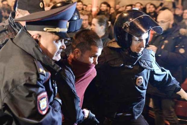 В РФ задержали почти 300 человек на акциях в поддержку Навального