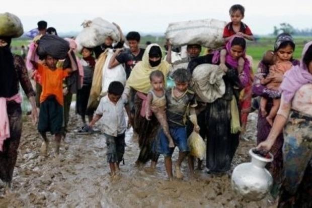 Власти Мьянмы заминировали границу, заблокировав возвращение беженцев, - СМИ