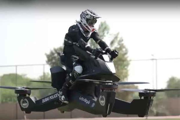 Улицы Дубая будут патрулировать летающие мотоциклы