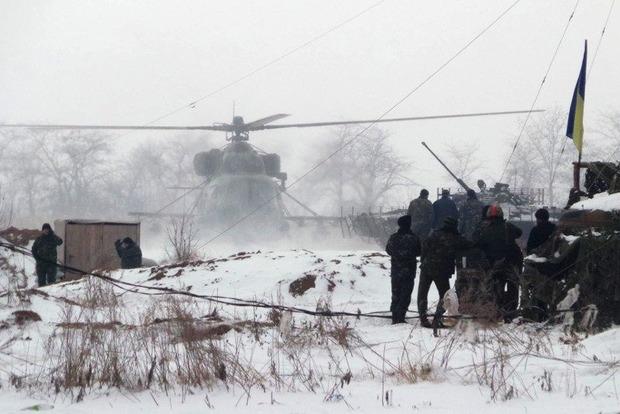 На Донбасі троє військових отримали поранення в результаті обстрілу