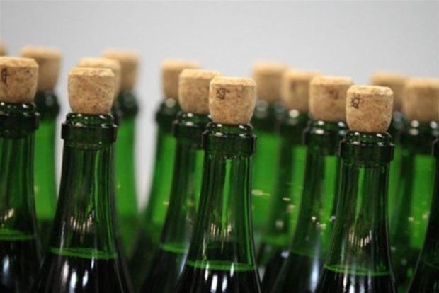 В Киеве налоговики изъяли партию поддельного алкоголя