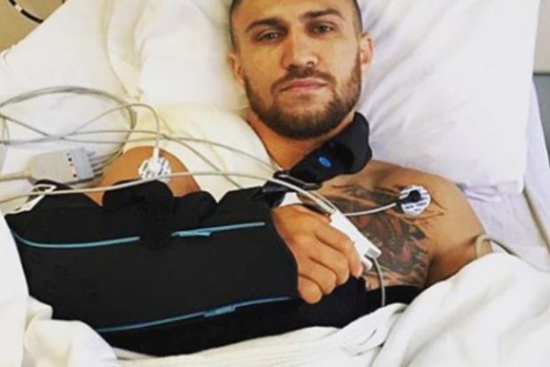Шварценеггер внезапно заявился к Ломаченко в больницу. Яркое видео
