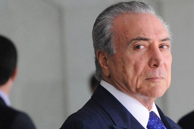 Коррупционный скандал в Бразилии: Против президента завели дело