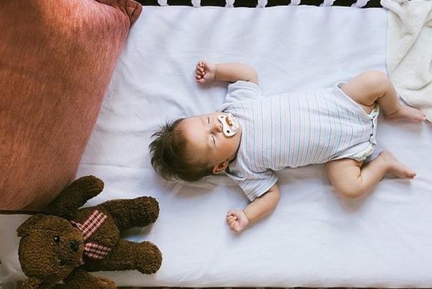 Вчені відкрили дивно простий секрет міцного дитячого сну