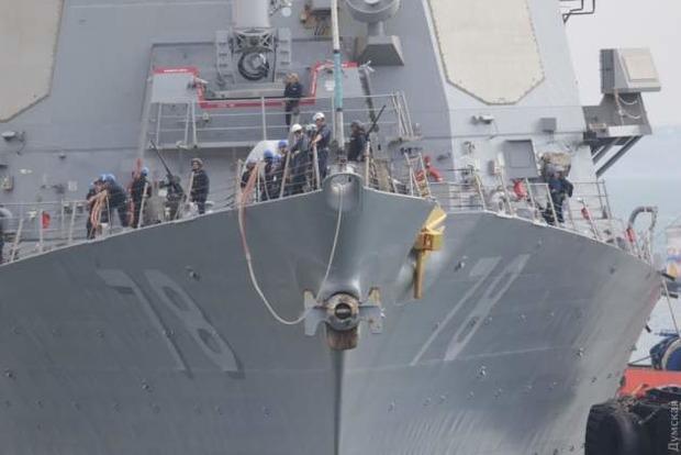 Корабель США, який обстріляв Сирію Томагавками кинув якір в Одеському порту