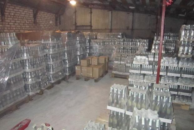 В Луганской области налоговики изъяли из оборота партию контрафактного алкоголя