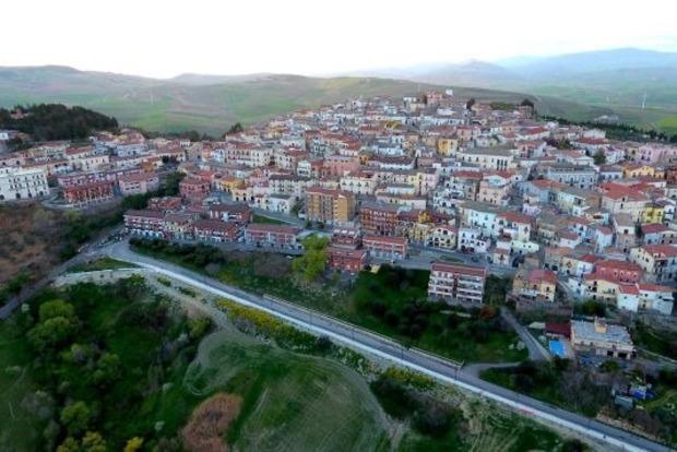 В Италии заплатят €2 тысячи желающим поселиться в городе Кандела