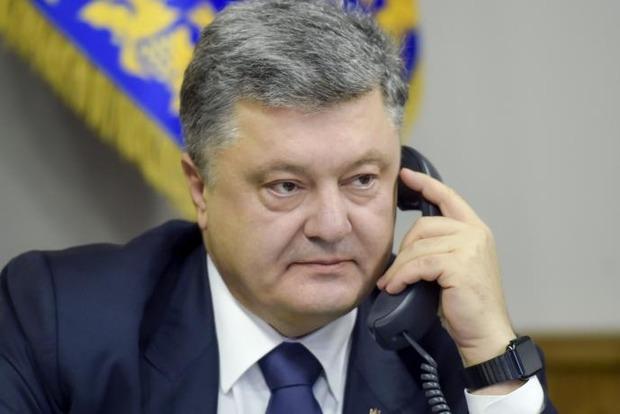 Порошенко рассказал Ципрасу об обстрелах на Донбассе