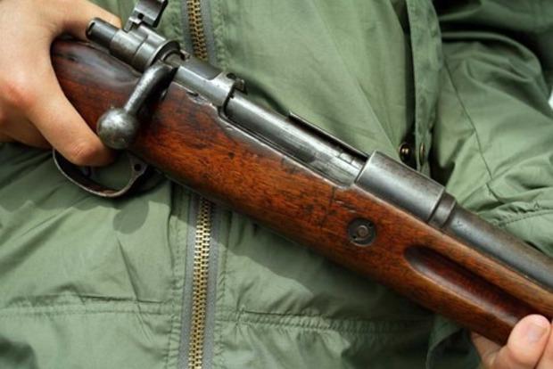 На Прикарпатье пьяный чиновник  устроил стрельбу