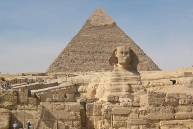 Ученые установили, что на вершине пирамиды Хеопса раньше находилась сфера и она была белой
