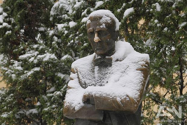 В Киеве прошел снег