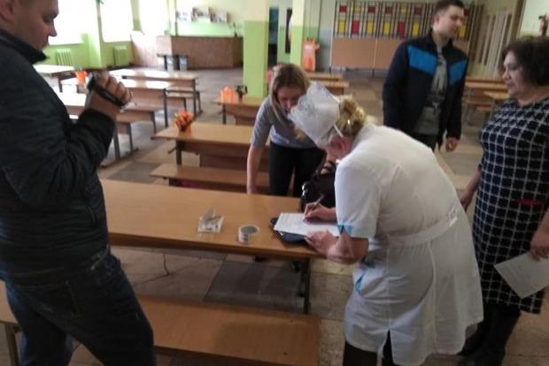 В Николаеве проходят масштабные обыски из-за еды школьников