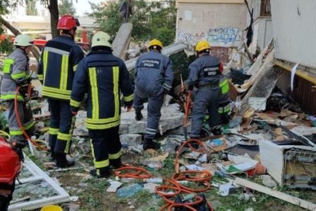 На місці вибуху житлового будинку розгорається скандал