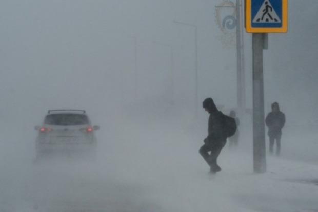 Снігова буря встолиці Казахстану: ВАстані оголошено надзвичайну ситуацію, закритий аеропорт