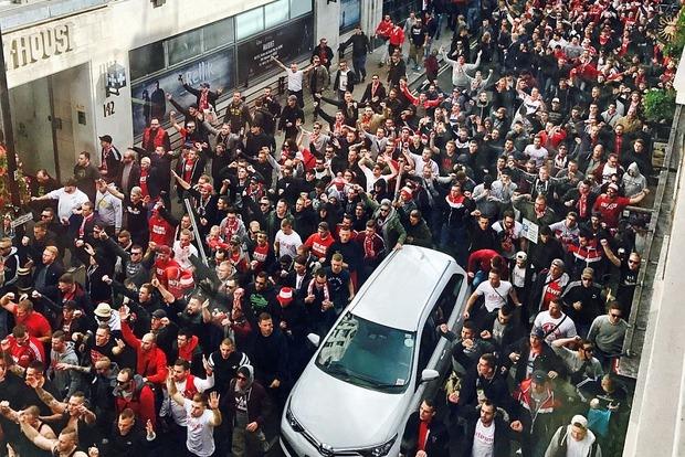 Безбилетные немецкие болельщики устроили дебош в Лондоне