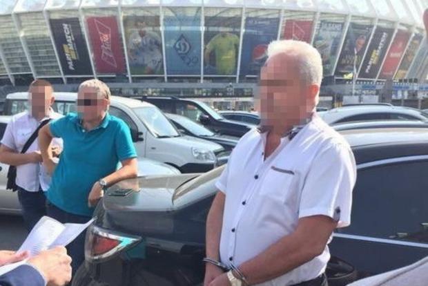 Директора ГАК «Хлеб Украины» задержали на взятке в $10 тысяч