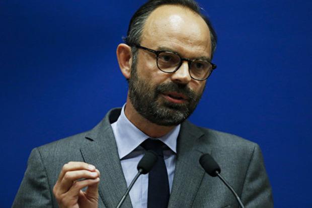 Жовті жилети домоглися свого: у Франції скасують підвищення цін на пальне