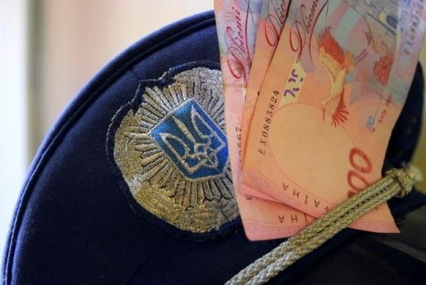 На Сумщине милиционер скрывался от задержания и протаранил авто СБУ
