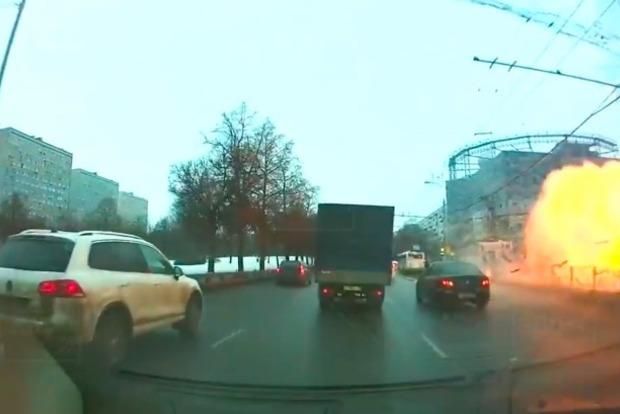 Момент мощного взрыва в Москве попал на видеорегистратор