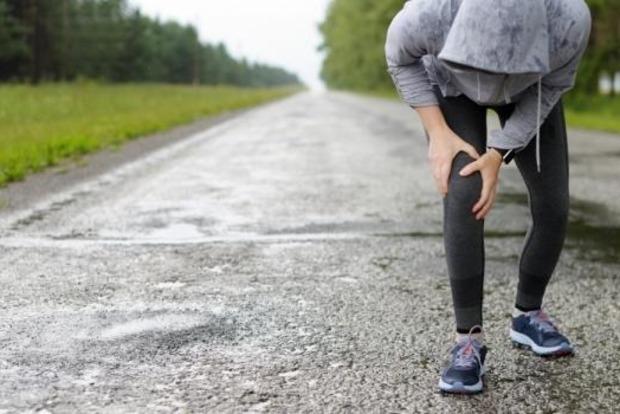 Врачи пояснили, что категорически нельзя делать, если при смене погоды болят суставы
