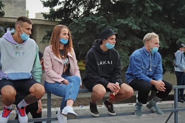В Украине штрафовать за отсутствие масок будут на месте, как за нарушение ПДД