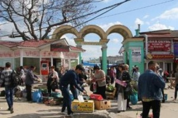 Оккупанты устроили облаву на рынке в Симферополе: задержаны 60 человек