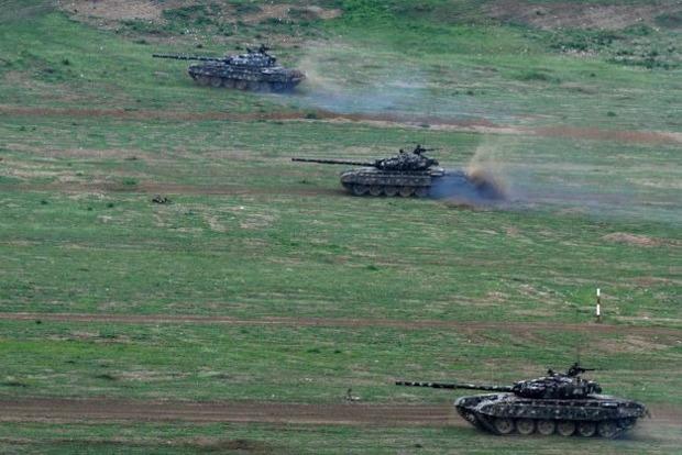 Вірменія і Азербайджан звинуватили один одного в обстрілах в Нагірному Карабасі