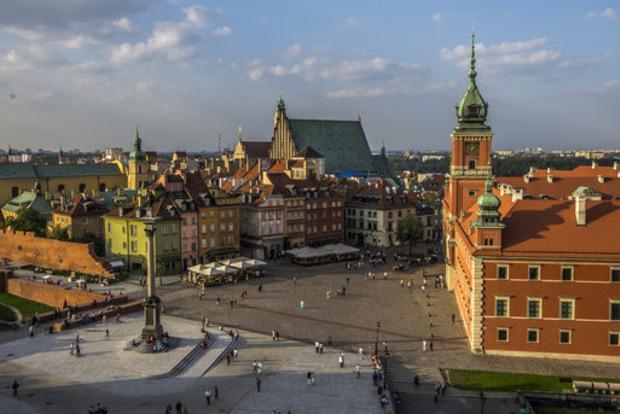 Польша не будет принимать беженцев из-за мигрантов с Украины